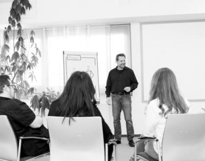 """Zertifizierter Fortbildungslehrgang für Lebensberaterinnen """"Supervision"""" (FL SU)"""