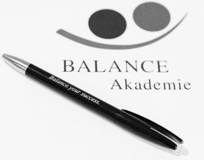 "Diplomarbeit: ""BALANCE-AKADEMIE-COACHINGMETHODENKOFFER: Angewendete Methoden der Balance-Akademie-Coaches im Rahmen ihrer Coaching Praxis"""