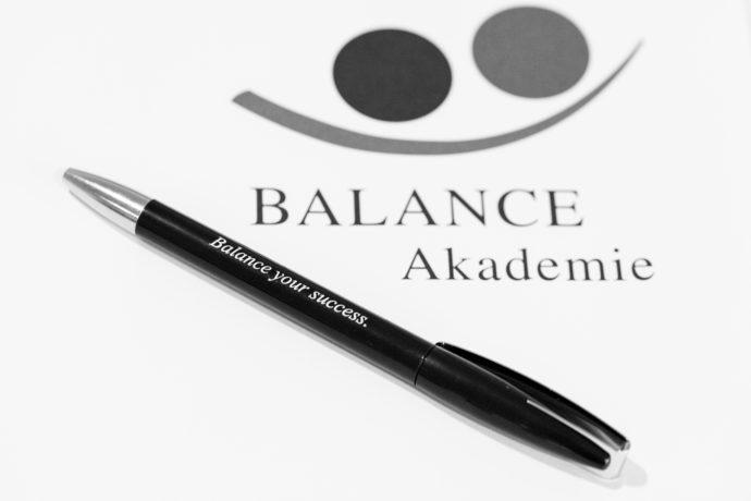 """Diplomarbeit: """"Desensibilisierung von Heuschnupfen durch Methoden der BALANCE Kinesiologie®"""""""